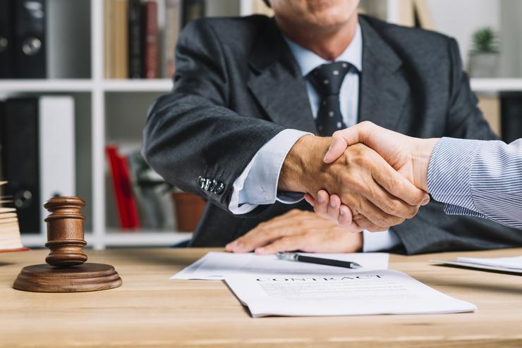¿Por qué debes contratar un abogado especialista en derecho de familia?